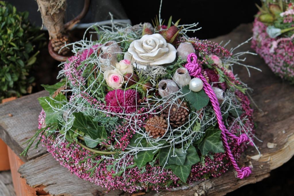 Ausstellung zu allerheiligen bestattungen g rtnerei for Floristik allerheiligen