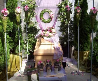 Floristik zu den gedenktagen ausstellung bestattungen for Floristik allerheiligen